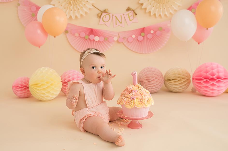 cake smash first birthday photography Edinburgh
