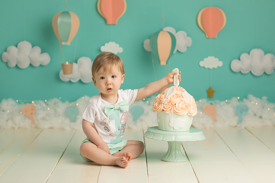 cake smash first birthday photography Edinburgh